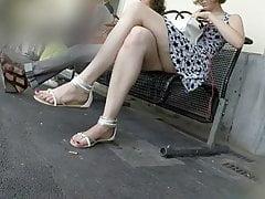 offen schöne Beine und Füße