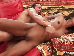 FFM Anal casting giovane slut indiana amatoriale con tette piccole