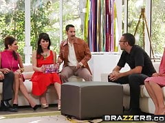 Aleksa Nicole Brooklyn Lee Johnny Sins Keiran Lee - Parte chiave