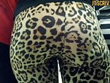 Jiggly Ebony Booty In Cheetah Print Leggings FULL VIDEO
