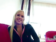 Rought gefälschte Casting für Deutsch Blonde Teen mit großen Titten