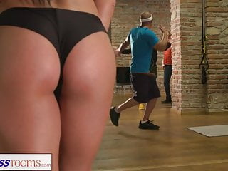 Fitness Rooms Spied on Greek gym babe gets fucked