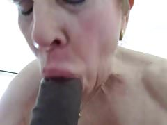 Tante Sue Mund Yoga
