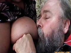 Alter Mann - junges Mädchen