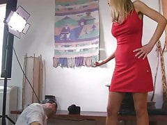 UNP007 - Sarah Jain Nuts Smasher - kostenloses Video