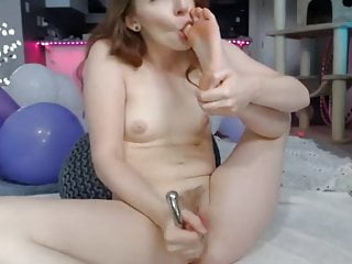 skye toying her pussy