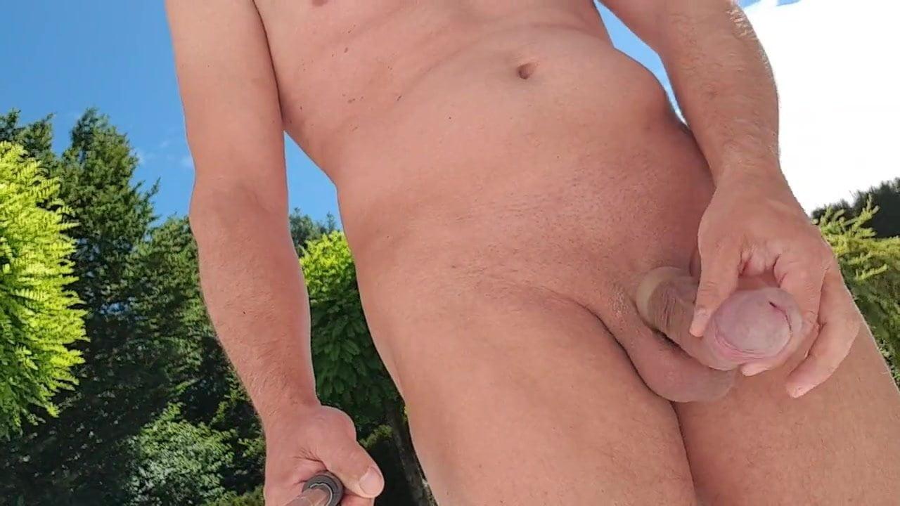 Nackt Im Garten Hd Videos Man Mobileporn