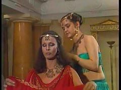 Lyubov Polishhuk nudo in Ezop (1989)
