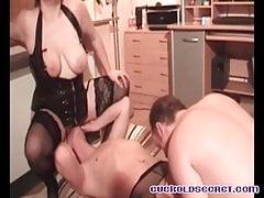 Cuckold sissys secret Coppie amatoriali che hanno bisogno del 3 ° cazzo