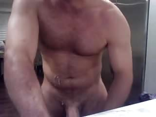 .Hairy Muscle Daddy Jerks Off on Cam.