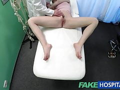 FakeHospital La ragazza russa vuole che i dottori sborrano