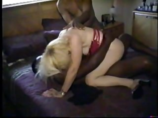 Interracial Cuckold Black video: cuckolds wife takes a big load of black seed
