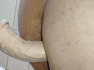 Amateur Brazilian Bisexual vid: FODENDO O RABO GULOSO