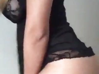 Tits Brazilian Blonde video: de camisola e gostosa