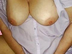 babcia mama masturbuje cipkę w nightie