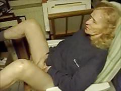 75 jährige Oma spielt