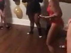 Dospívající lingelingerie party