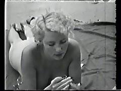 VCL0498 Vintage Mädchen am Strand