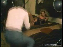 Junge Pornostar Schlampe wird vom Fotografen gefickt