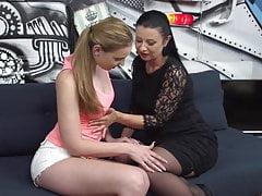 Madre madura seducir a joven hermosa hija