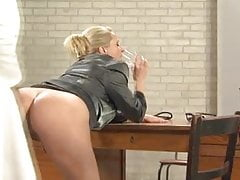 Hot German MILF Vivia Squirting Big Tits Piss Sex