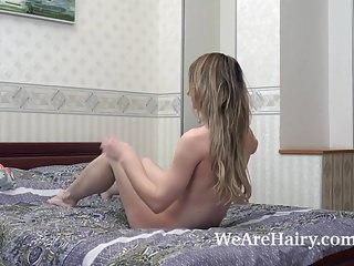 Blondes Masturbation Sex Toys video: Jeniffer masturbates in bed with her purple toy