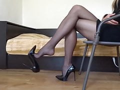 Collants Et Talons Dangle