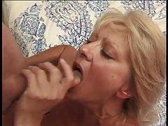 She Licks His Ass