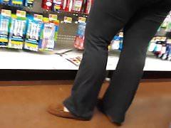 MILF TIGHT YOGA PANTS