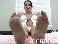 I Want You To Have Fun With My Pretty Feet