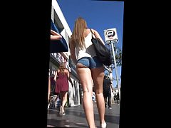 Gorgeous ass butts redhead in the street