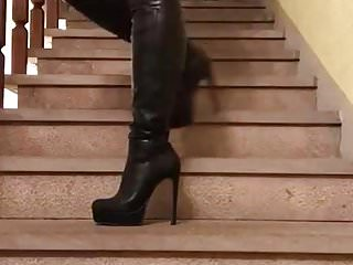 Black And Ebony,Amateur,Italian,Boots,Stairs,Thigh,Hd Videos,Thigh Boots,Up And Down,Free Up