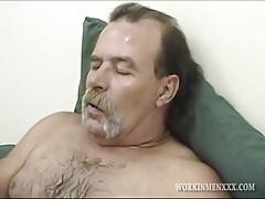Mature Amateur Larry Jacking Off   Porn-Update.com