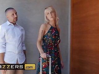 Small Tits Blowjob Brazzers vid: Pornstars Like it Big - Aidra Fox Keiran Lee - Au Pair Oh My