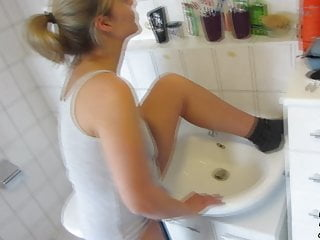 Daddys Luder – Peeing with cum in my face