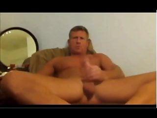 Perfect ripped daddy body masturbation