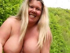 Was ist besser als grosse Brueste? Riesen Titten...