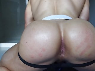 Straight muscle hunk with bubble butt wants to get fucked