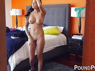 Brenna Sparks shows her skill on a dick