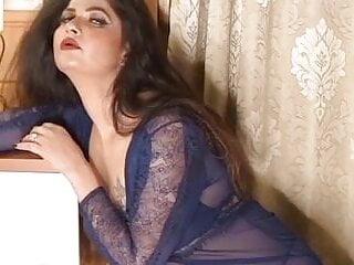 Sunita chudaiwali figure...