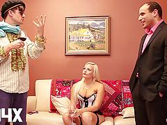 AD4X Un realisateur dirige un porno a sa maniere