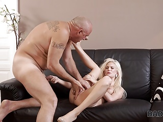 Sensitive DADDY4K he massage BFs dad fucks turns on and