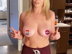 Chelsea Handler - Topless