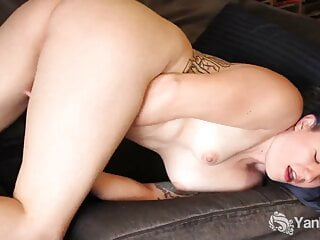 Tattooed Yanks Babe Jette's Serious Clit Action