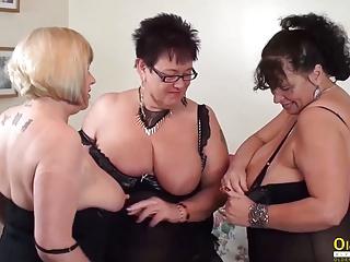 Oldnanny auntie trishas threesome lesbian party masturbation...