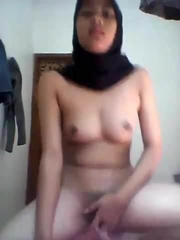 kat graham tits