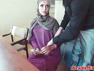 Novice muslim pov pussyfucked on desk