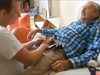 Sigue los servicios para abuelos ardientes