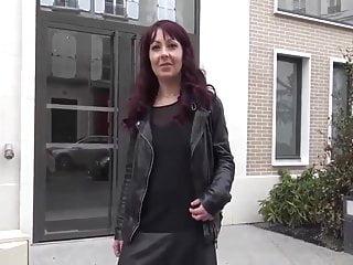 French Blowjob Milf video: milf roux en bbc apres cum dans la bouche