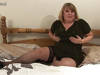 British amateur lady shows her naughty side
